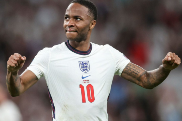 Carragher hails Sterling as a key player in England